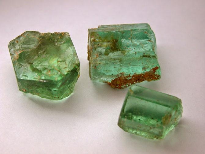 Берилл зеленый камень, описание от гадалки