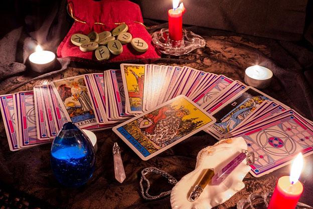 бабушкин расклад на игральных картах гадать фото